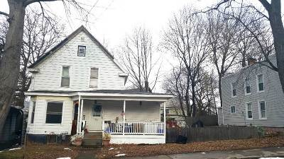 Rensselaer Single Family Home For Sale: 13 Chestnut St