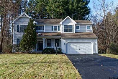 Clifton Park Single Family Home For Sale: 53 Liberty Way