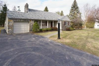 Niskayuna Single Family Home For Sale: 939 Pearse Rd