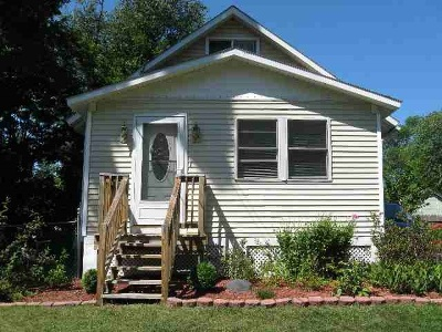 Colonie Single Family Home For Sale: 31 Lansing Rd South