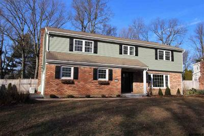 Niskayuna Single Family Home For Sale: 845 Worcester Dr