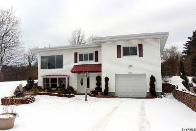 Gloversville Single Family Home For Sale: 105 Strawberry Hill Rd