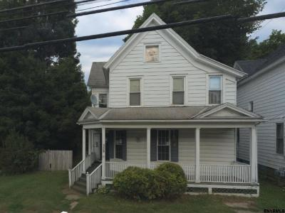 Amsterdam Single Family Home For Sale: 339 Locust Av