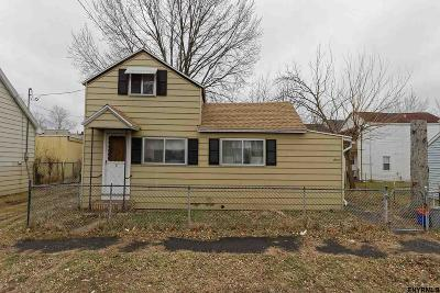 Watervliet Single Family Home For Sale: 16 3rd St