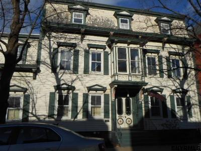 Schenectady Single Family Home For Sale: 205 Union St