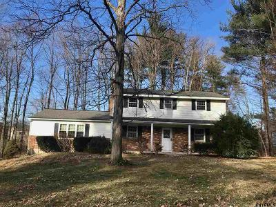 Clifton Park Single Family Home For Sale: 6 Mountain Laurel Dr