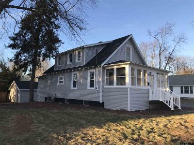 Colonie Single Family Home For Sale: 33 Oliver St