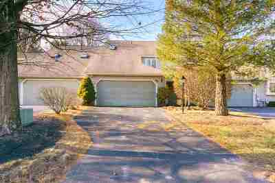 Single Family Home For Sale: 25 Constitution Dr