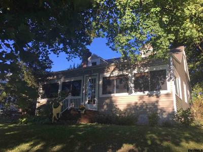 Colonie Single Family Home For Sale: 25 Dunsbach Ferry Rd