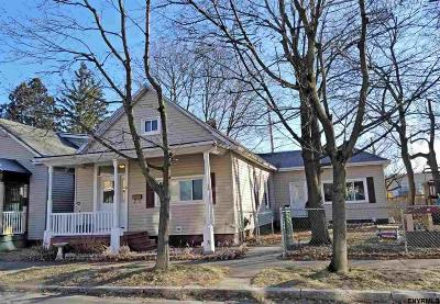 Cohoes Single Family Home For Sale: 21 Amity St
