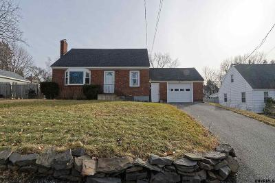 Colonie Single Family Home Back On Market: 40 Kendale Av