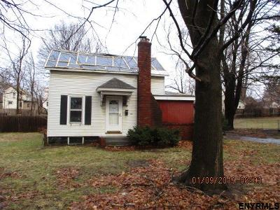 Scotia Single Family Home Price Change: 308 James St