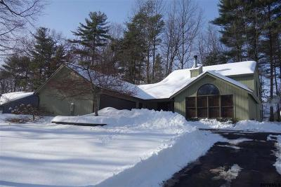 Saratoga County Single Family Home New: 9 Glade Mallow Rd