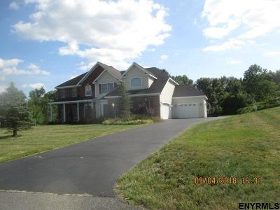 Schenectady County Single Family Home For Sale: 1013 Catherines Woods
