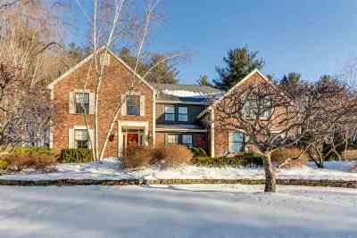 Niskayuna Single Family Home For Sale: 10 Owasco Ct