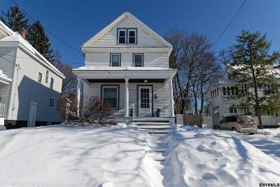 Schenectady Single Family Home For Sale: 841 Harrison Av