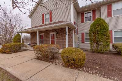 Niskayuna Single Family Home For Sale: 1200 Hillside Av
