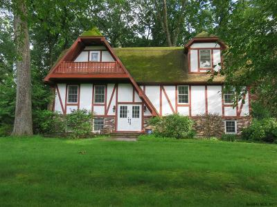 Guilderland Single Family Home For Sale: 143 Chancellor Dr