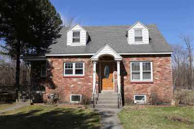 Colonie Single Family Home For Sale: 44 Lawrence St