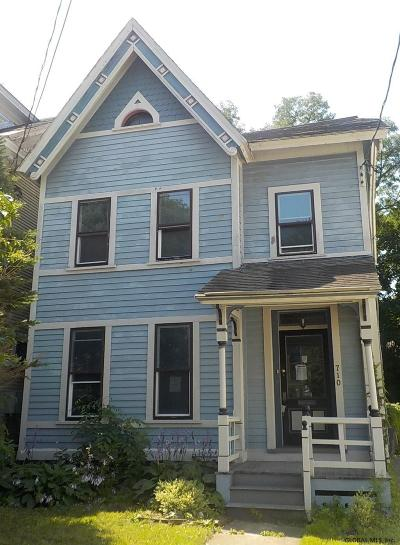 Schenectady Single Family Home For Sale: 710 Union St