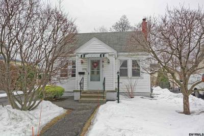 Schenectady Single Family Home For Sale: 2706 Augustine Av