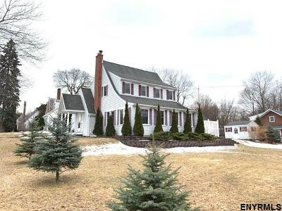 East Greenbush Single Family Home For Sale: 42 Highland Dr
