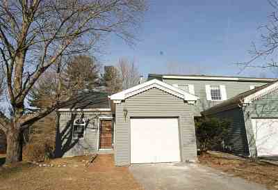 Single Family Home For Sale: 7326 Vic Ct
