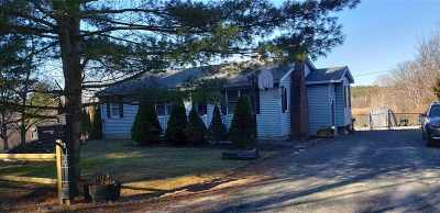 Rensselaer County Single Family Home For Sale: 72 Storm Hill Rd