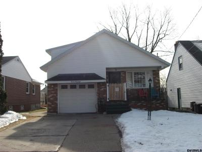 Schenectady Single Family Home For Sale: 1448 Belmont Av