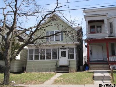 Albany Single Family Home For Sale: 200 Ontario St