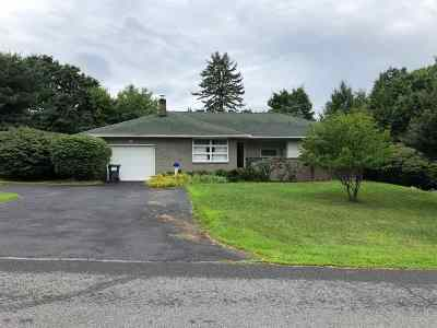 North Greenbush Single Family Home For Sale: 11 Sylvan La