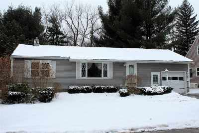 Colonie Single Family Home For Sale: 16 Oakwood Dr