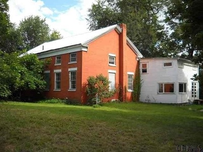 Rensselaer County Single Family Home For Sale: 136 Schuurman Rd