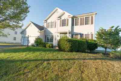 Colonie Single Family Home For Sale: 15 Heritage Ct
