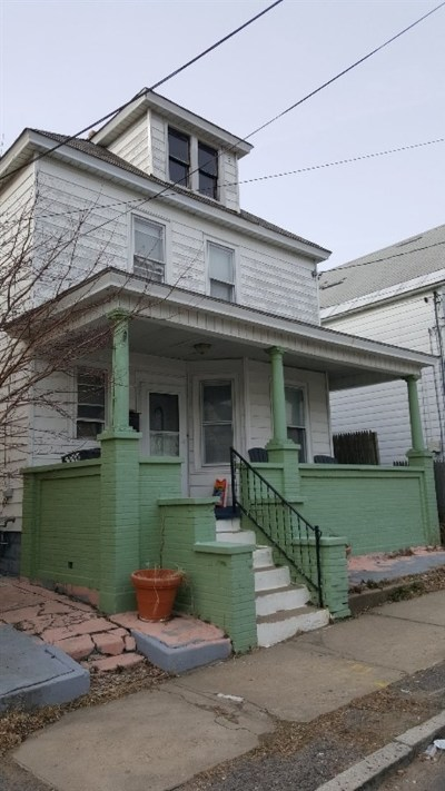 Schenectady Single Family Home For Auction: 83 Willow Av