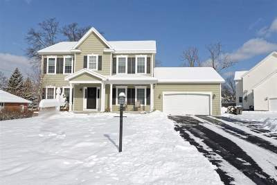Colonie Single Family Home For Sale: 6 Knollwood Dr