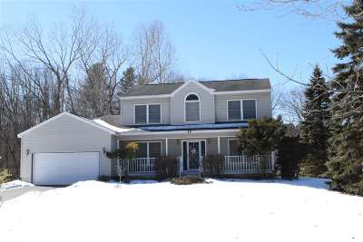 Clifton Park Single Family Home For Sale: 17 Weston Dr