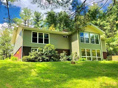 Columbia County Single Family Home For Sale: 64 Featherbed La