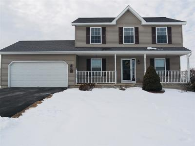 Halfmoon Single Family Home For Sale: 6 Camber Ct