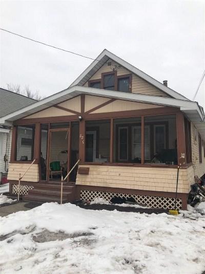 Schenectady Single Family Home For Sale: 823 Vischer Av