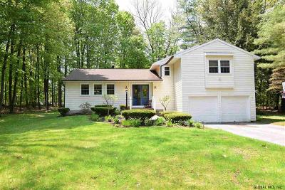 Wilton Single Family Home For Sale: 4 Woodlake Dr