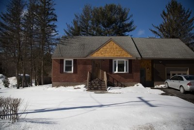 Glenville Single Family Home For Sale: 95 Charlton Rd
