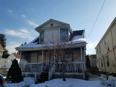 Schenectady Single Family Home For Sale: 2060 E Eastern Pkwy