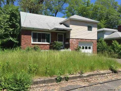 Schenectady Single Family Home For Sale: 1265 Bradford St
