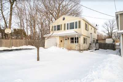 Schenectady Single Family Home For Sale: 320 Gifford Rd