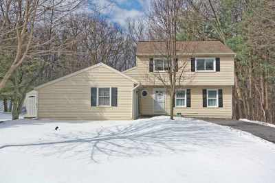Clifton Park Single Family Home Active-Under Contract: 77 Carriage Rd