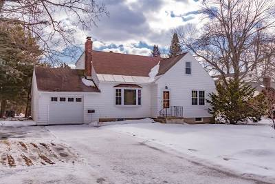 Niskayuna Single Family Home For Sale: 2212 Fairlawn Pkwy