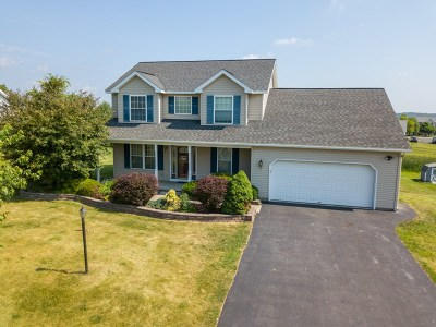 Fulton County, Hamilton County, Montgomery County, Saratoga County, Warren County Single Family Home New: 19 Eagle La