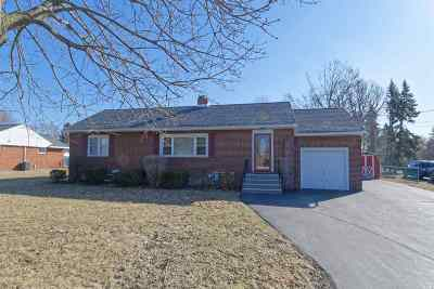Colonie Single Family Home For Sale: 153 Boght Rd