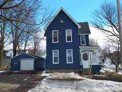 Single Family Home Pending: 8 Dove St